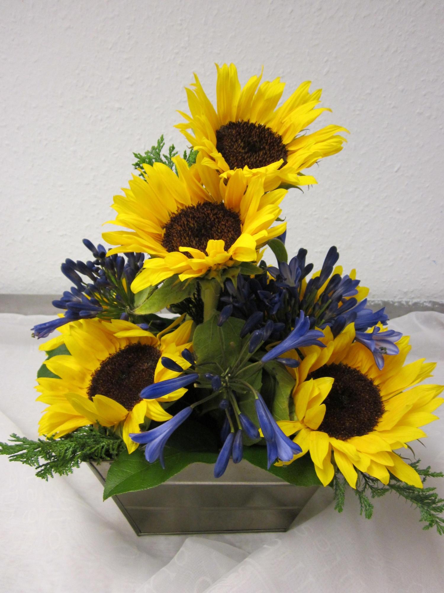 Sunflower arrangement pictures
